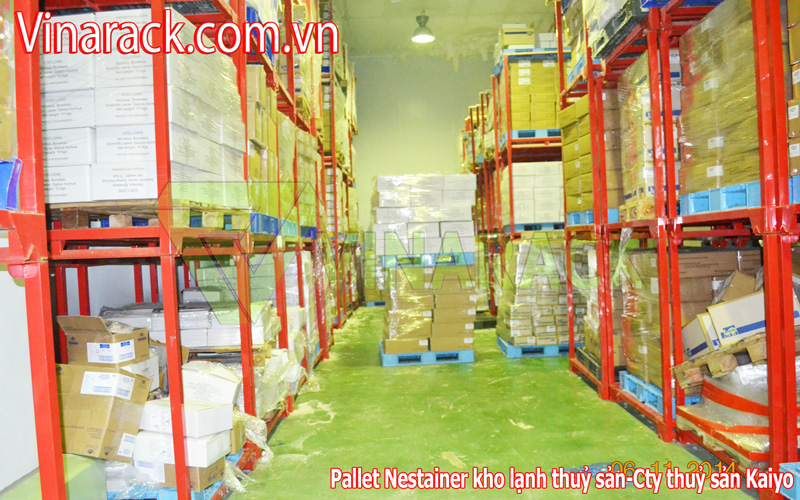 pallet sắt cong nghiệp